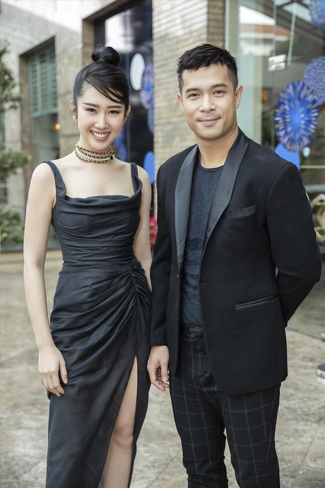 """Running Man Việt Nam mùa 2: Trương Thế Vinh khoe cơ bắp cuồn cuộn, xứng danh """"Voi Biển"""" ảnh 3"""