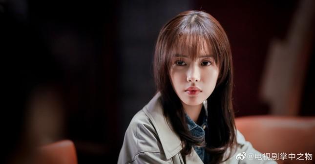 """""""Vật Trong Tay"""": Bộ phim ngược tâm bẻ cong tam quan khán giả hơn cả """"Đông Cung"""" ảnh 4"""