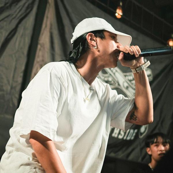"""Loạt ảnh điển trai của rapper 16 Typh khiến fan nữ tiếc hùi hụi sau khi rời """"Rap Việt"""" ảnh 9"""