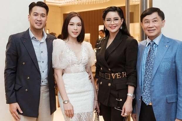 """Chuyện tim mạch của các thiếu gia nhà tỷ phú Johnathan Hạnh Nguyễn: Cậu út đã """"chốt đơn""""? ảnh 4"""