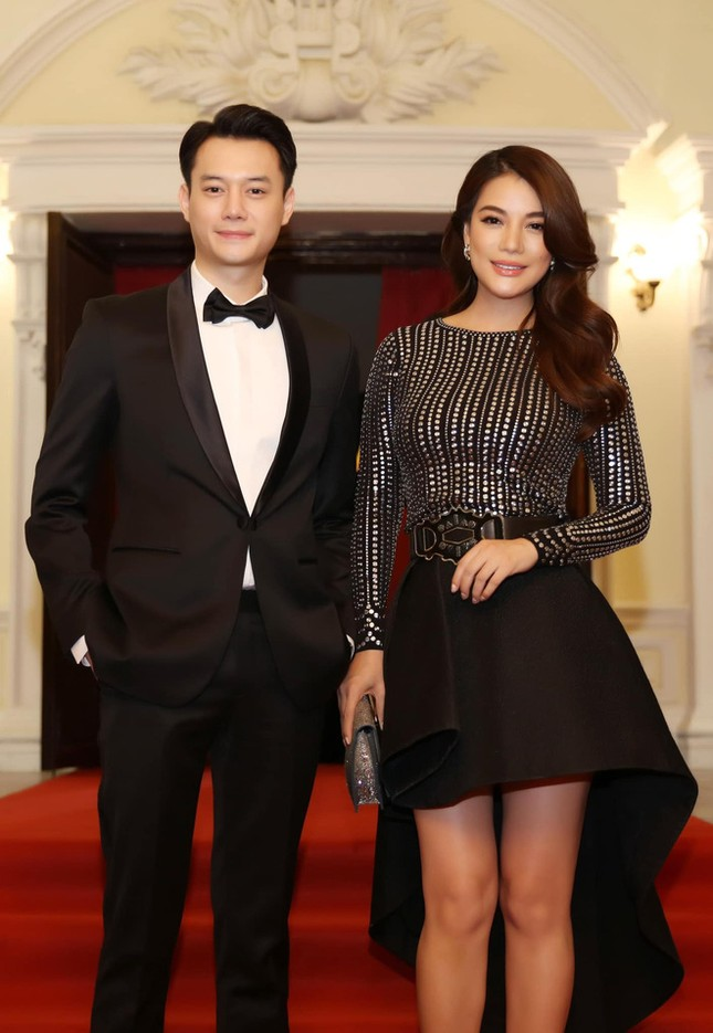 """Đâu chỉ Ngô Thanh Vân - Huy Trần, V-Biz còn nhiều cặp """"trai đẹp - chị đại"""" tin đồn khác ảnh 6"""