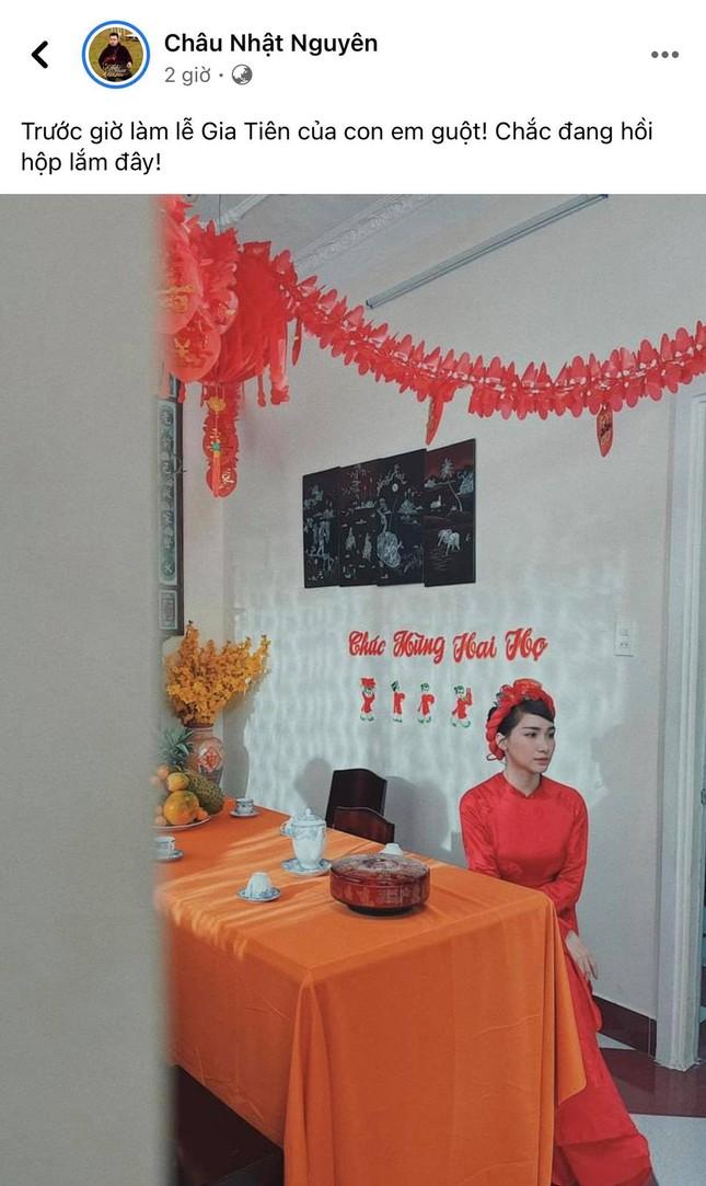 Sự thực về tấm ảnh Hòa Minzy mặc áo dài cưới trong lễ ăn hỏi đang khiến dân tình xôn xao ảnh 1