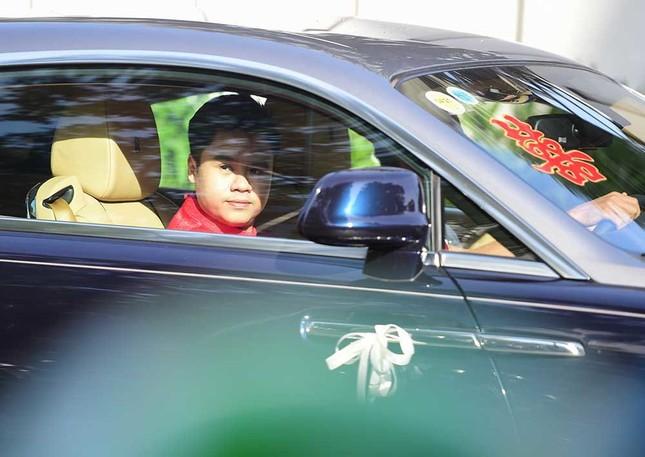 Đám cưới của Primmy Trương - Phan Thành: Đưa đón bằng siêu xe, phù dâu là Hoa hậu ảnh 1