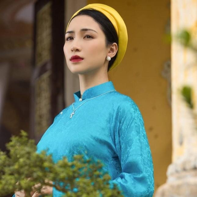 Hòa Minzy nhái giọng Chi Pu hát chênh phô gây cười, fan hai nhà khẩu chiến căng thẳng ảnh 2