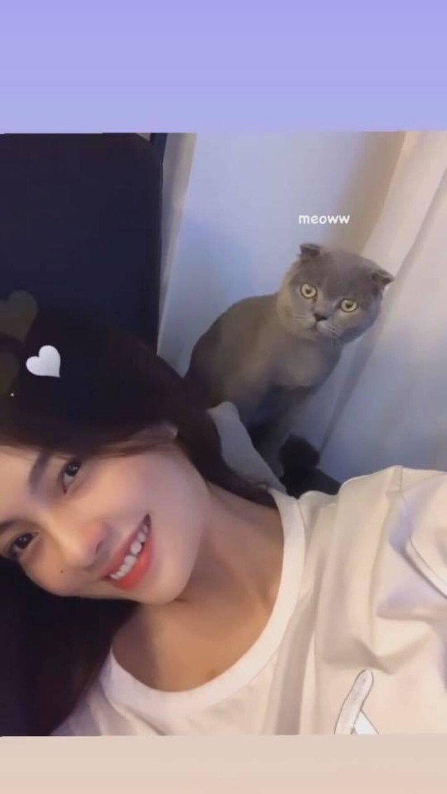 Chân dung cô nàng hotgirl được netizen đặt nghi vấn hẹn hò với ca sĩ Ngô Kiến Huy ảnh 2