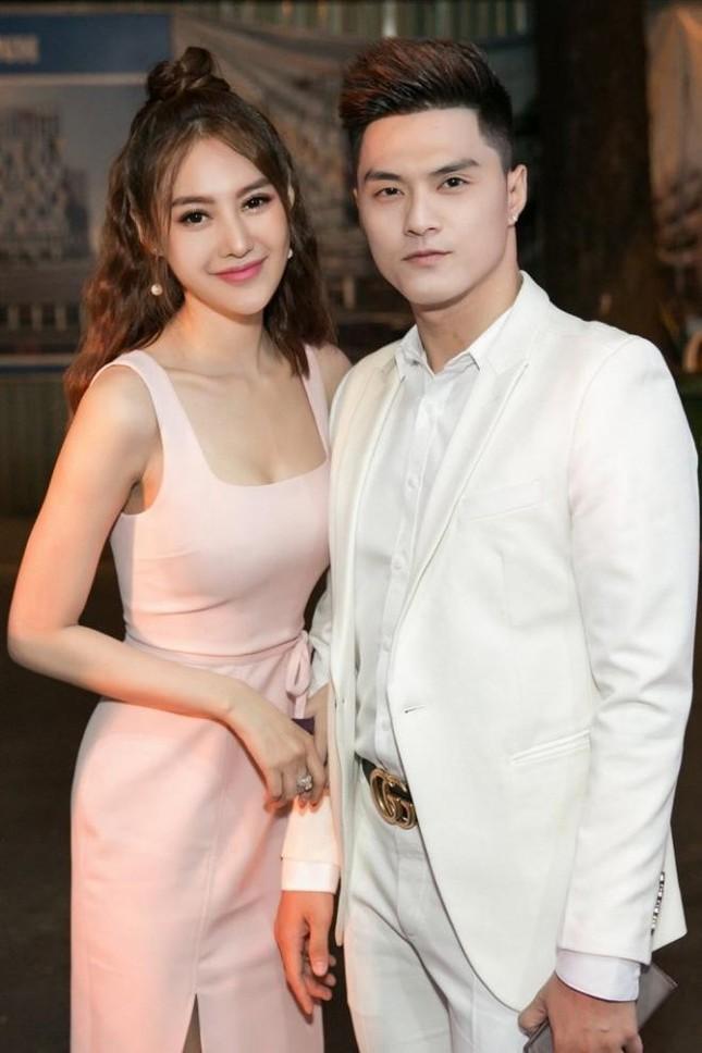 """Linh Chi úp mở """"hai món quà"""" tặng Lâm Vinh Hải, netizen đồn đoán """"đang mang thai đôi""""? ảnh 3"""
