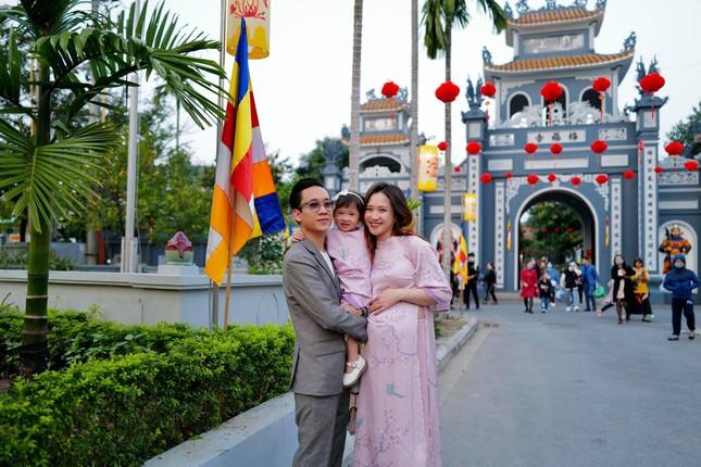 """JustaTee thông báo bà xã Trâm Anh """"vượt cạn"""" thành công, hàng loạt sao Việt gửi lời chúc mừng ảnh 4"""