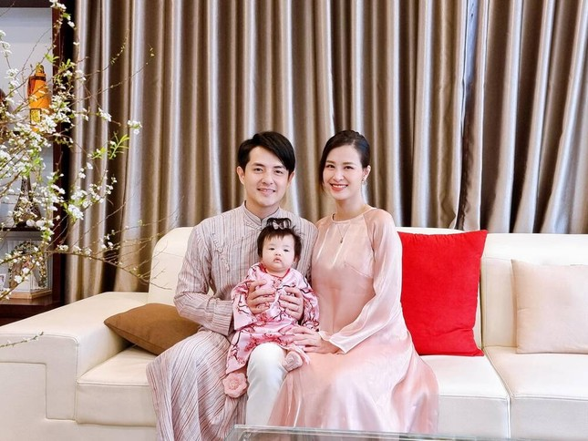 Đông Nhi khoe nhan sắc ngọt ngào kỷ niệm 12 năm yêu Ông Cao Thắng ảnh 5