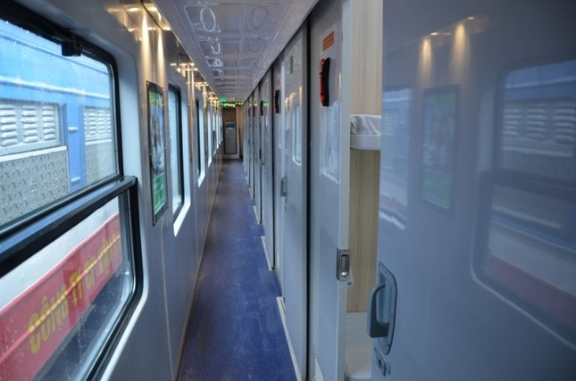 Đường sắt đưa 30 toa tàu 'hạng sang' phục vụ Tết Nguyên đán ảnh 1