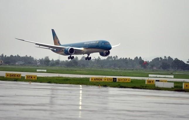 Máy bay hạ cánh nhầm đường băng tại Cam Ranh ảnh 1
