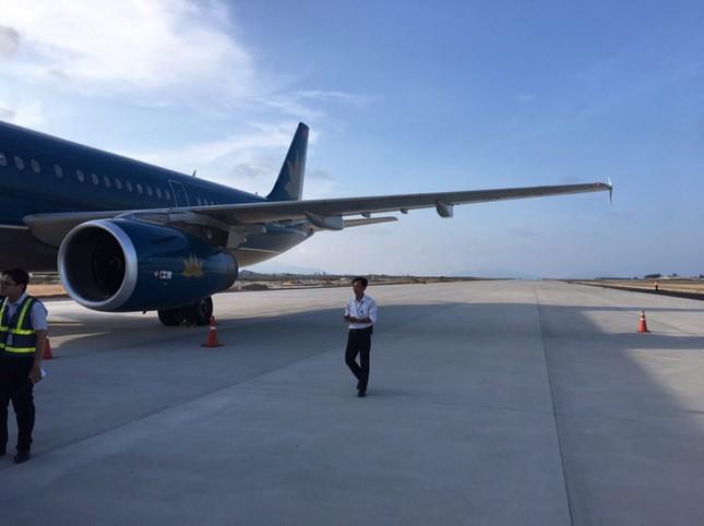 Vietnam Airlines xin lỗi vụ hạ cánh nhầm đường băng ở Cam Ranh ảnh 1