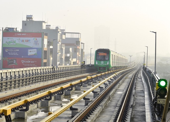 Công nhân vận hành metro thành... xe ôm vì dự án Cát Linh – Hà Đông trễ hẹn ảnh 2