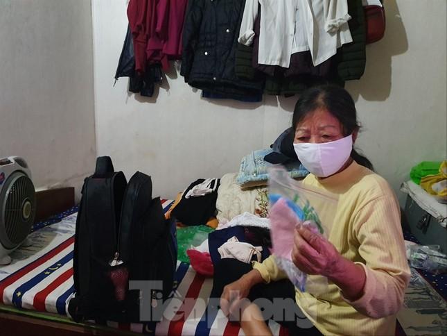 Bắt đầu xét nghiệm COVID-19 cho 'xóm' chạy thận cạnh bệnh viện Bạch Mai ảnh 2