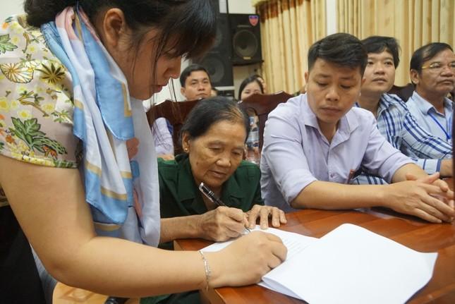 Tặng 2 nhà tình nghĩa của Tập đoàn Phúc Sơn cho cựu TNXP tỉnh Quảng Bình ảnh 1