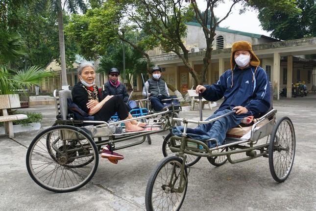 Ngân hàng BIDV chúc Tết các thương binh nặng tại Bắc Ninh, Bắc Giang ảnh 1