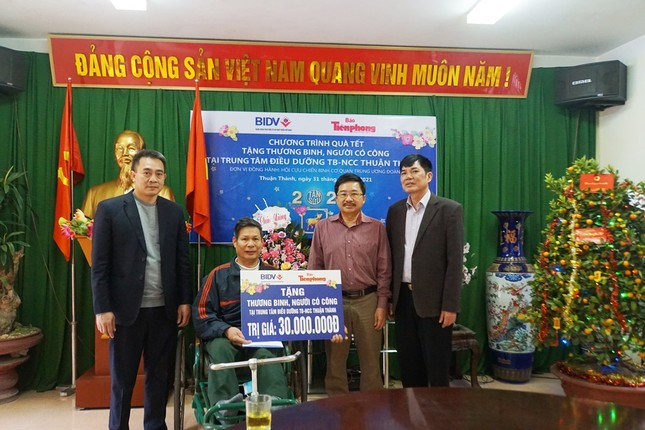 Ngân hàng BIDV chúc Tết các thương binh nặng tại Bắc Ninh, Bắc Giang ảnh 2