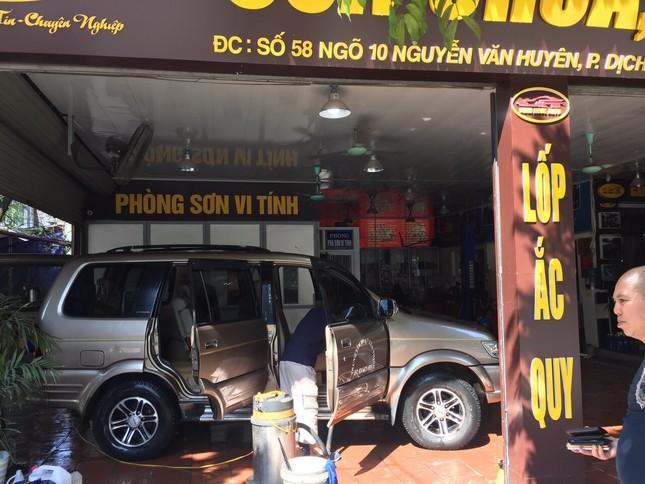 Giá rửa xe tăng cao, khách vẫn xếp hàng đợi chiều 30 Tết ảnh 11