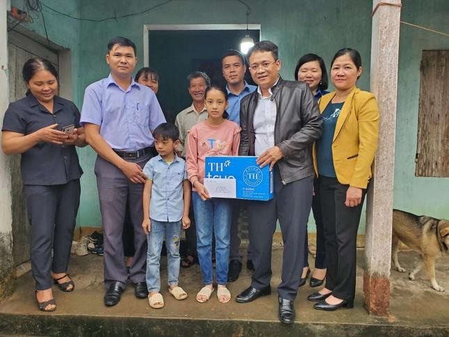 Doanh nhân Hàn Quốc đỡ đầu hai trẻ mồ côi ở Bắc Giang ảnh 1