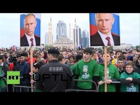 Hơn 100.000 người diễu hành mừng sinh nhật Tổng thống Putin ảnh 10