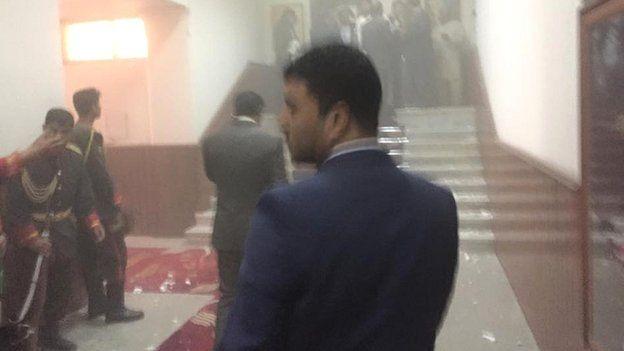 Taliban tấn công tòa nhà Quốc hội Afghanistan ảnh 2