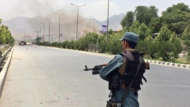 Taliban tấn công tòa nhà Quốc hội Afghanistan ảnh 4