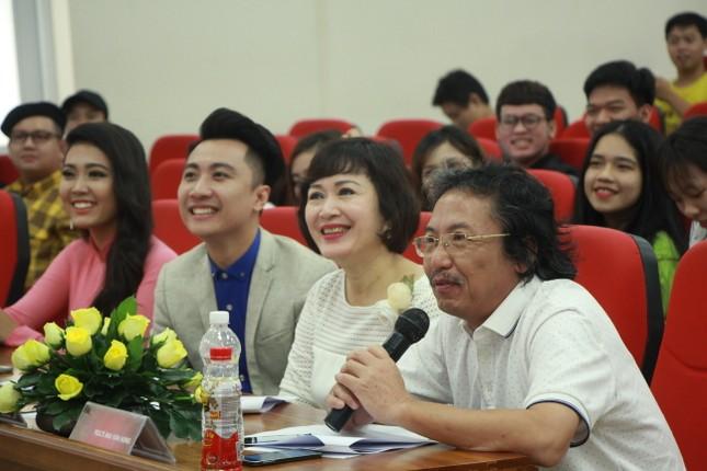 Nữ sinh duyên dáng, tự tin thi tài Hoa khôi sinh viên Việt Nam 2017 ảnh 2