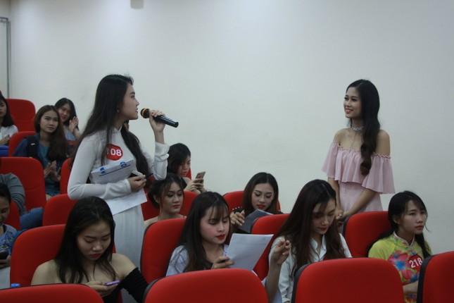 Nữ sinh duyên dáng, tự tin thi tài Hoa khôi sinh viên Việt Nam 2017 ảnh 8