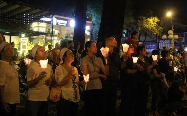 Nghìn người hát thánh ca đưa tiễn Tổng giám mục Bùi Văn Đọc ảnh 8
