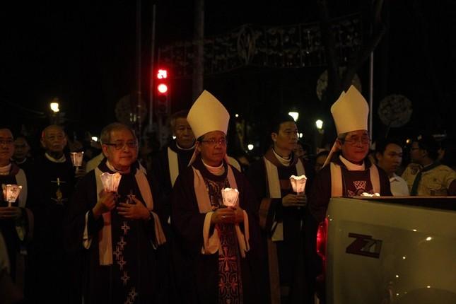 Nghìn người hát thánh ca đưa tiễn Tổng giám mục Bùi Văn Đọc ảnh 12
