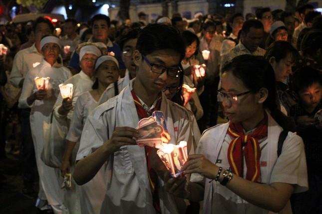 Nghìn người hát thánh ca đưa tiễn Tổng giám mục Bùi Văn Đọc ảnh 18