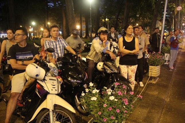 Linh cữu cố Thủ tướng Phan Văn Khải về đến Hội trường Thống Nhất ảnh 8