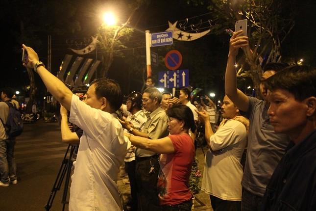 Linh cữu cố Thủ tướng Phan Văn Khải về đến Hội trường Thống Nhất ảnh 10