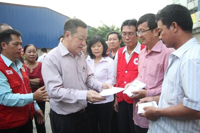 Hội Chữ thập đỏ cứu trợ khẩn cấp người dân thiệt hại trong vụ cháy ảnh 2