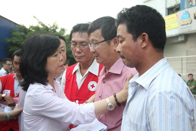 Hội Chữ thập đỏ cứu trợ khẩn cấp người dân thiệt hại trong vụ cháy ảnh 3