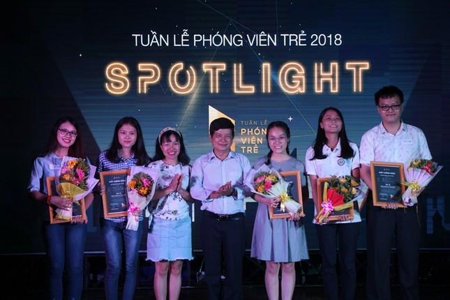 """Nữ sinh trường Luật đoạt ngôi quán quân cuộc thi báo chí """"Spotlight"""" ảnh 5"""