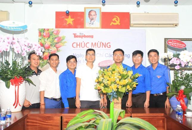 Ban Nội chính Thành ủy TPHCM thăm, chúc mừng báo Tiền Phong nhân ngày 21/6 ảnh 3