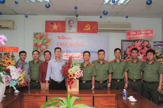 Ban Nội chính Thành ủy TPHCM thăm, chúc mừng báo Tiền Phong nhân ngày 21/6 ảnh 2