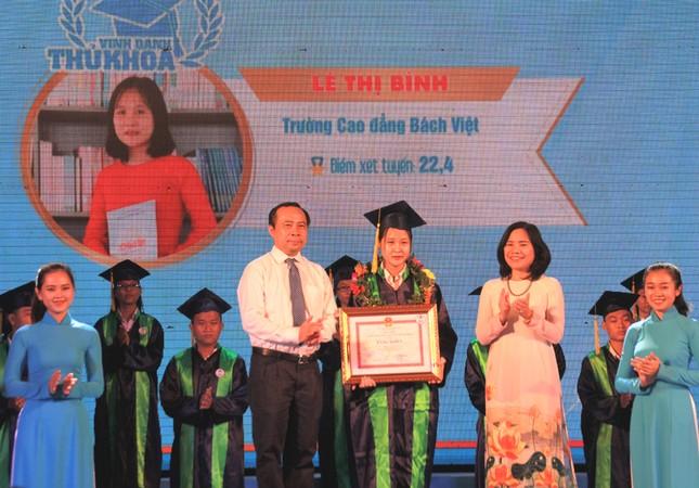 TPHCM vinh danh 66 tân sinh viên và tân cử nhân tiêu biểu ảnh 5