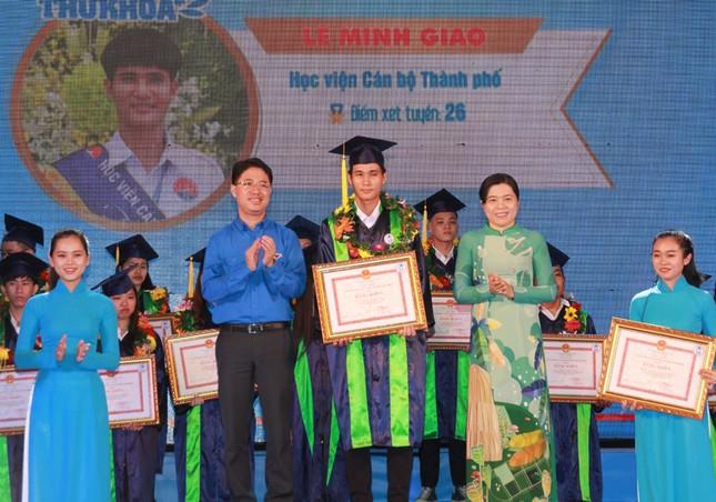 TPHCM vinh danh 66 tân sinh viên và tân cử nhân tiêu biểu ảnh 4