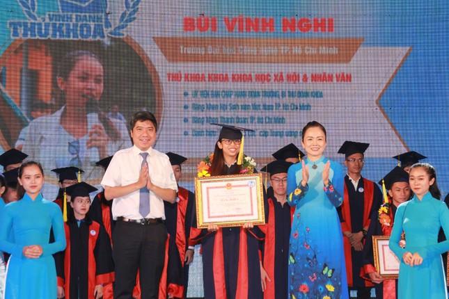 TPHCM vinh danh 66 tân sinh viên và tân cử nhân tiêu biểu ảnh 2