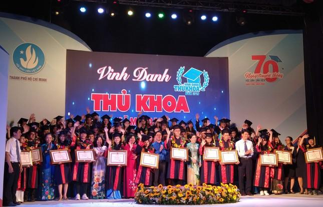 TPHCM vinh danh 66 tân sinh viên và tân cử nhân tiêu biểu ảnh 7