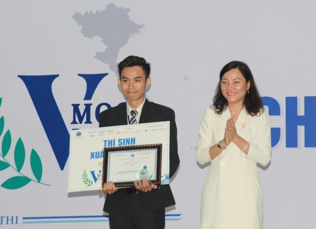 Đại diện ĐHQG Hà Nội đoạt ngôi quán quân VMoot 2019 ảnh 8