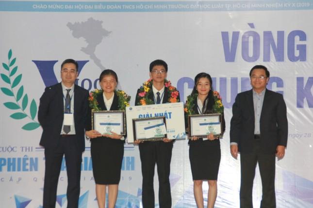 Đại diện ĐHQG Hà Nội đoạt ngôi quán quân VMoot 2019 ảnh 3