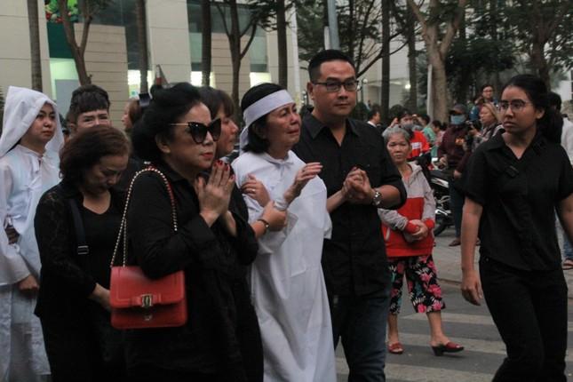 Nghẹn ngào phút tiễn đưa NSƯT Nguyễn Chánh Tín về cõi vĩnh hằng ảnh 10