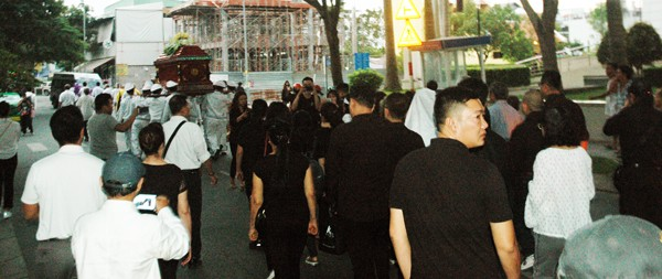 Nghẹn ngào phút tiễn đưa NSƯT Nguyễn Chánh Tín về cõi vĩnh hằng ảnh 3