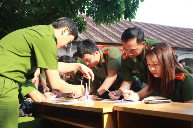 Gần 500 cán bộ, chiến sỹ Công an hiến máu tình nguyện ngày giáp Tết ảnh 2