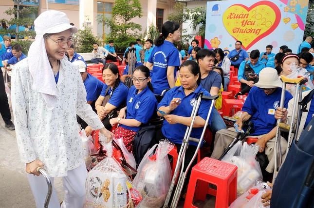 Hội LHTN Việt Nam TPHCM chăm lo hội viên, thanh niên khó khăn dịp Tết ảnh 1