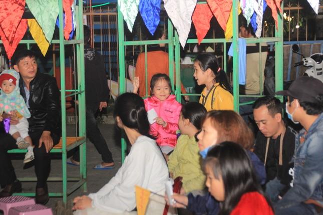 Người dân Quảng Ngãi rộn ràng vui xuân với hội bài chòi ảnh 10