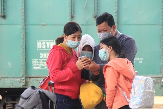 Virus corona ám ảnh người dân miền Trung ảnh 16