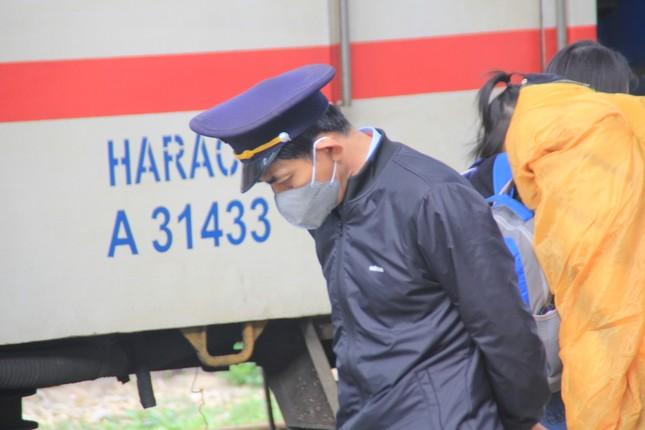 Virus corona ám ảnh người dân miền Trung ảnh 12